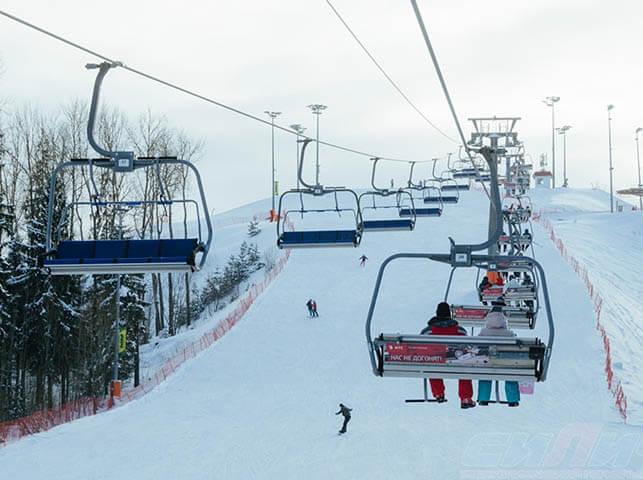 Skiing(snowboarding)